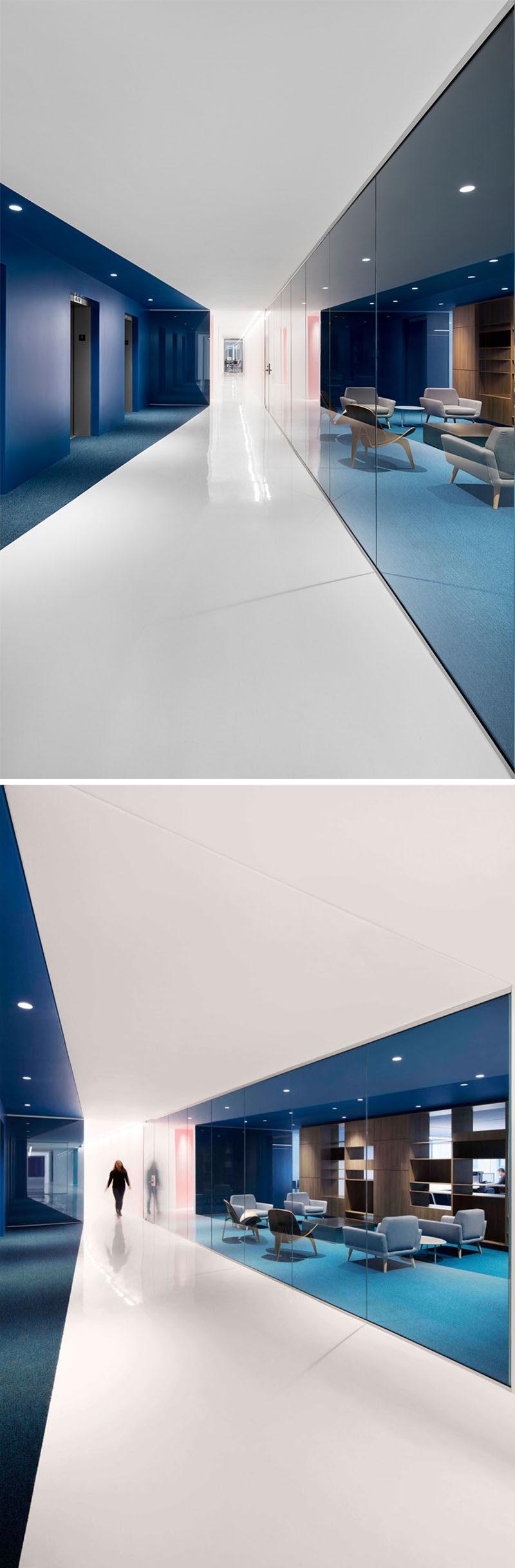 dieses-zeitgenossische-und-offene-buro-design-ist-meist-weiss-aber-fett-farbtone-wurden-verwendet-um-verschiedene-bereiche-im-inneren-zu-definieren-workplace-officedesign-interiordesign-